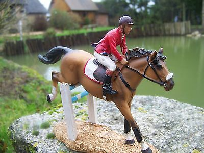 Costruttivo Na0615 Figurine Statuette Equitation P M U Cheval Jocket Animal Promo Smoothing Circulation And Stopping Pains