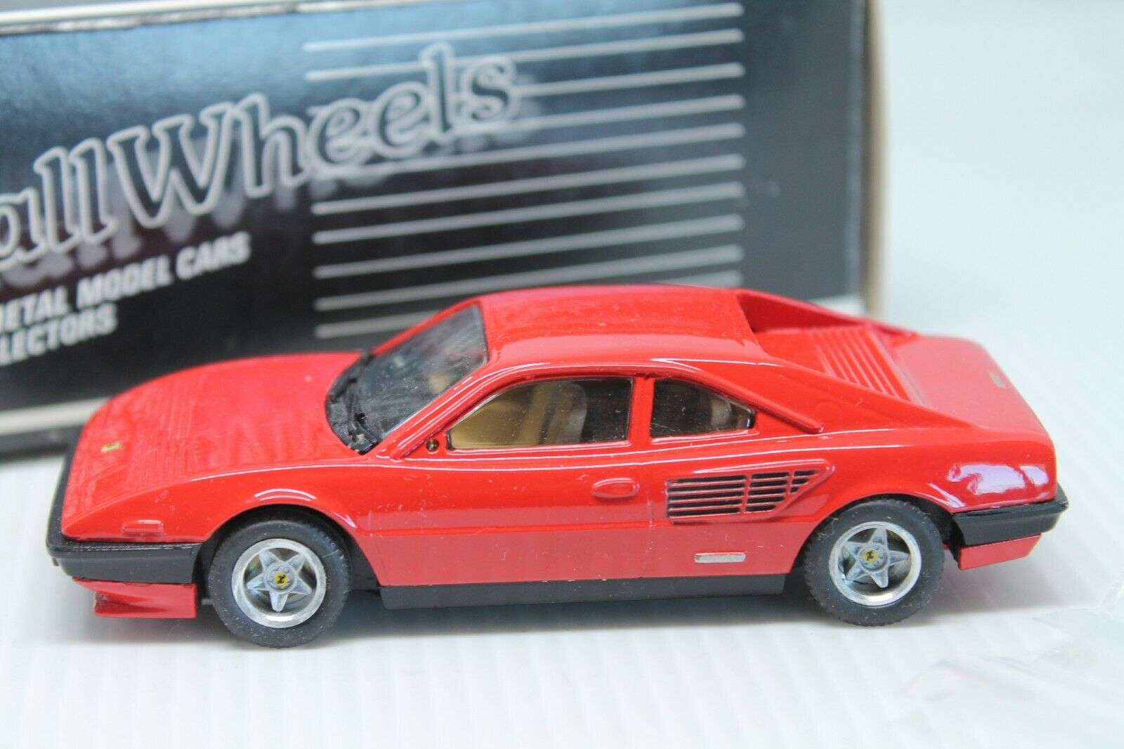 Smallwheels  ferrari mondial  rosso  embalaje original  1 43