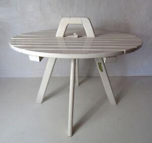 Ancienne Table Basse Ronde Clairitex En Bois Laqué Blanc Vintage Luxuriant In Design