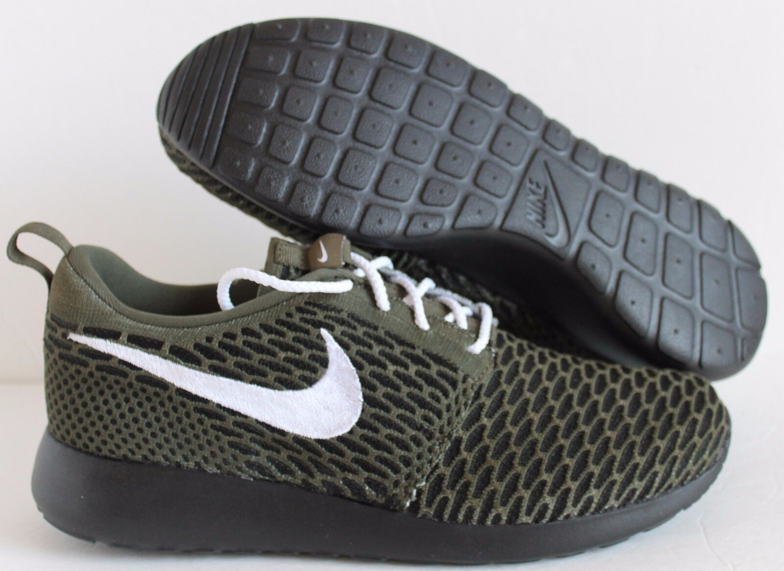 Womens Nike Flyknit Roshe Run iD Black SAGE SZ 9.5  Mens SZ 8 ( 777415-995 )