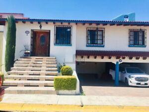 Casa en venta en Metepec,  Atrás del Colegio Argos.