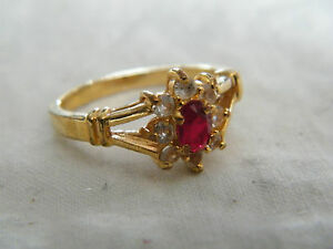 Beautiful Gold Tone Cocktail Ring Clear Garnet Rhinestones