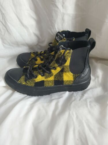 CONVERSE Shoes Sneakers Womens 7 High Tops Woolric