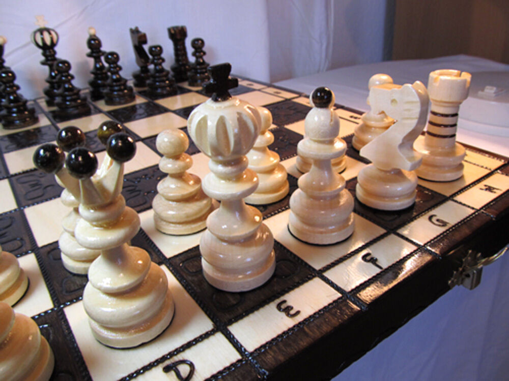 Very nice chess chess pearl long 42 x 42cm wood