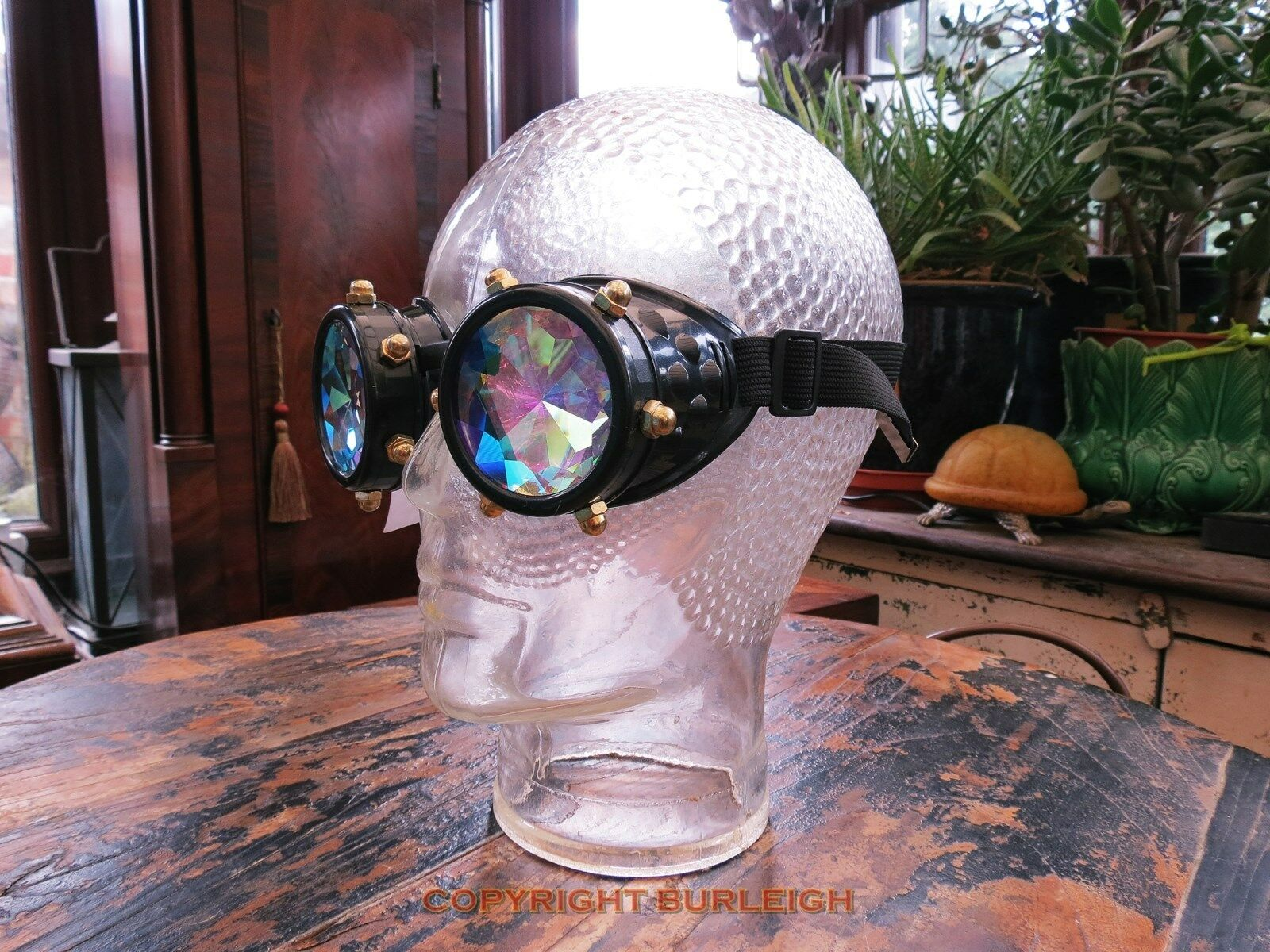 A PAIR OF VINTAGE STYLE STEAMPUNK PRISM GOGGLES. GOOD QUALITY, WELL MADE