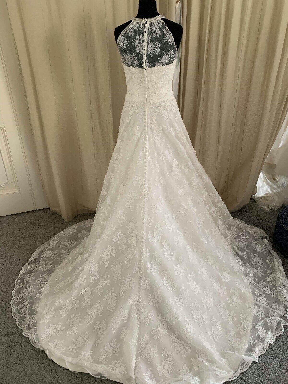 Veromia Wedding Dress ivory lace Size 16 style 61219