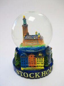 Schneekugel-Stockholm-Rathaus-Stadtansicht-Schweden-Snowglobe-mit-Fehler