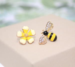 1Pair Fashion Women Rhinestone Bee Drop Dangle Earrings Ear Stud Jewelry Gift