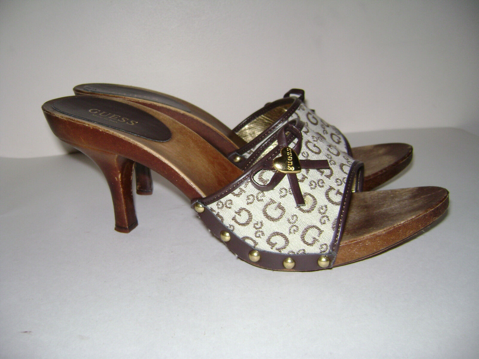 GUESS Size 10 BROWN  BEIGE WOMEN SHOES HEELS MADE IN ITALY SLIDE ONS