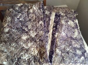 Antique Quilt Panel Lilac Floral Fabric French Home Decor 97 cm x 134 - Projects