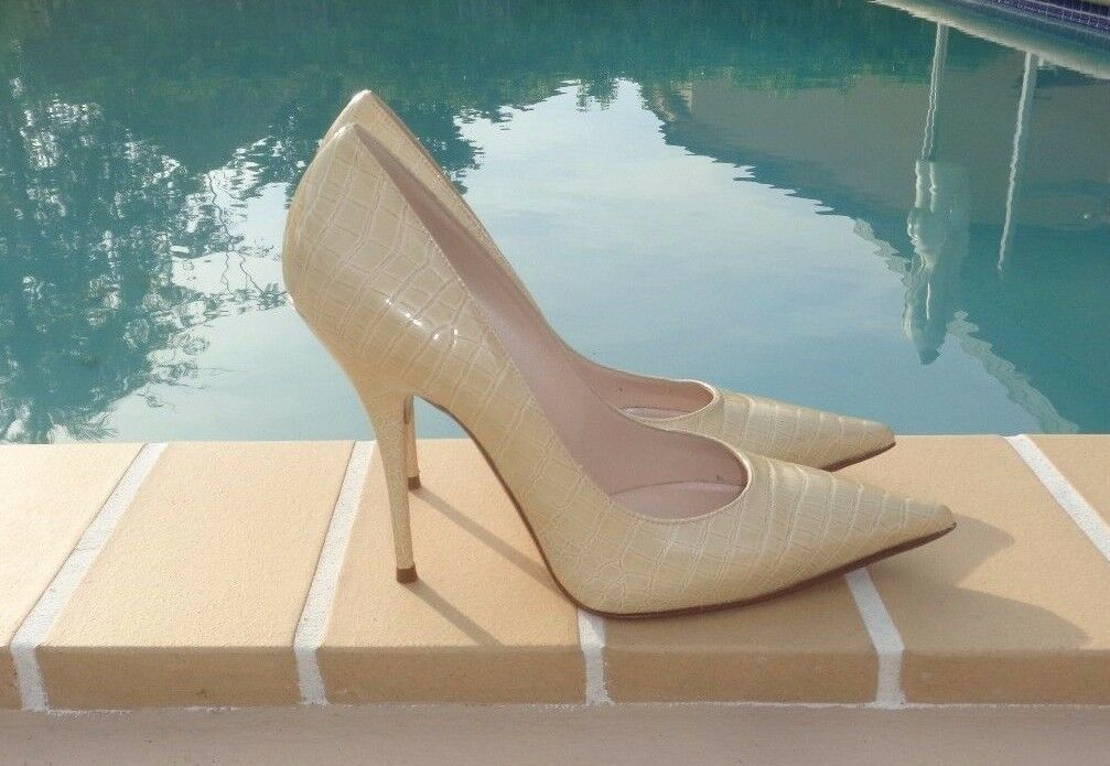 CASADEI PALE YELLOW CROCO EMBOSSED PATENT LEATHER  PUMPS Sz 9M MADE IN ITALY