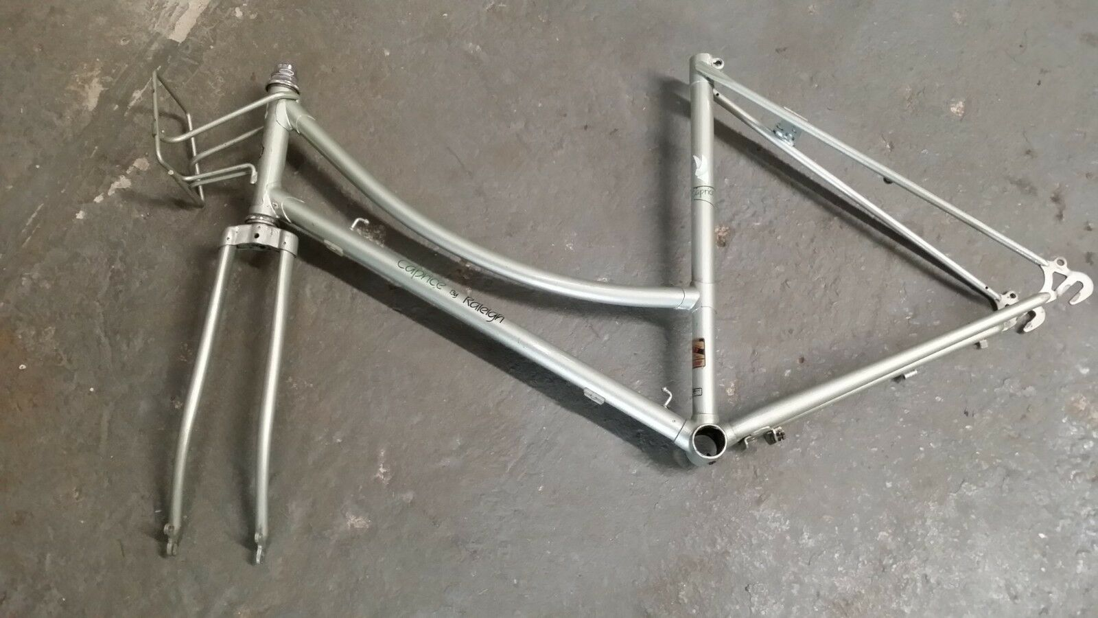 VINTAGE RALEIGH CAPRICE BIKE FRAME 19.5  WITH FORK, BASKET HANGER