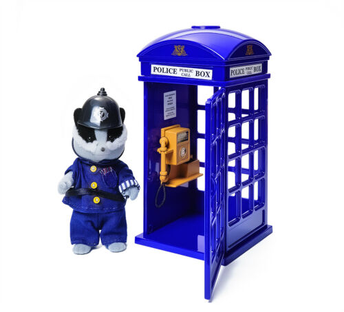 Sylvanian Families Calico Critters 25th Anniversary PC Roberts /& Police Box