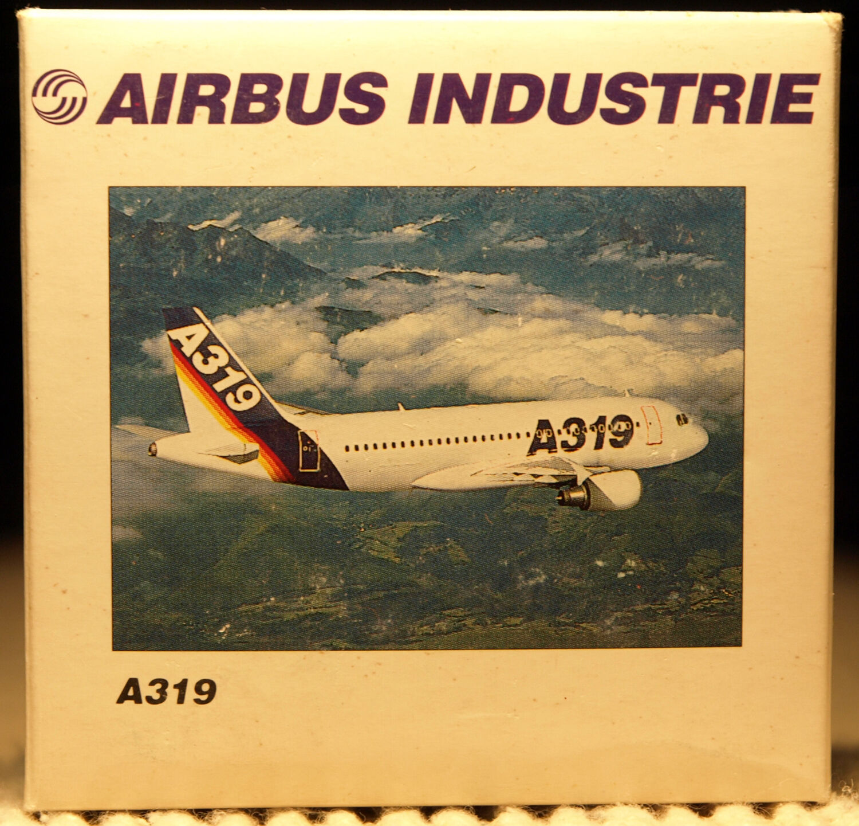 Herpa Wings Wings Wings 1 500 Airbus House Fleet A319 prod id 508902 released 1995 a1cdcd