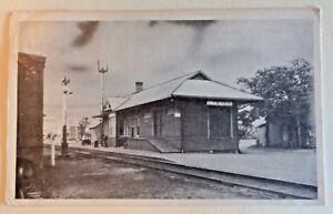 Vintage-Quebec-Postcard-Lyster-Train-Station-Depot-RR-Tracks-Sign-Car-photo-men