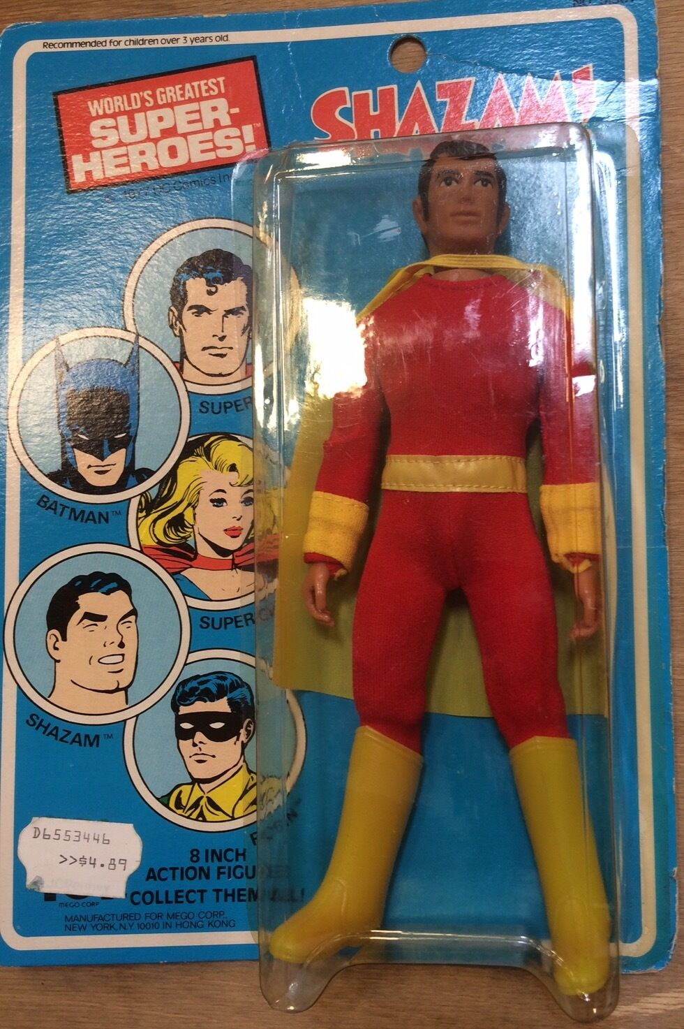 SEALED Vintage 1977 8  Mego SHAZAM  Mint On Card  MOC  CAPTAIN MARVEL