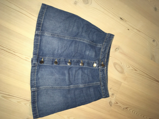 Denimnederdel, str. 36, H&M,  Blå,  Denim,  God men brugt,…