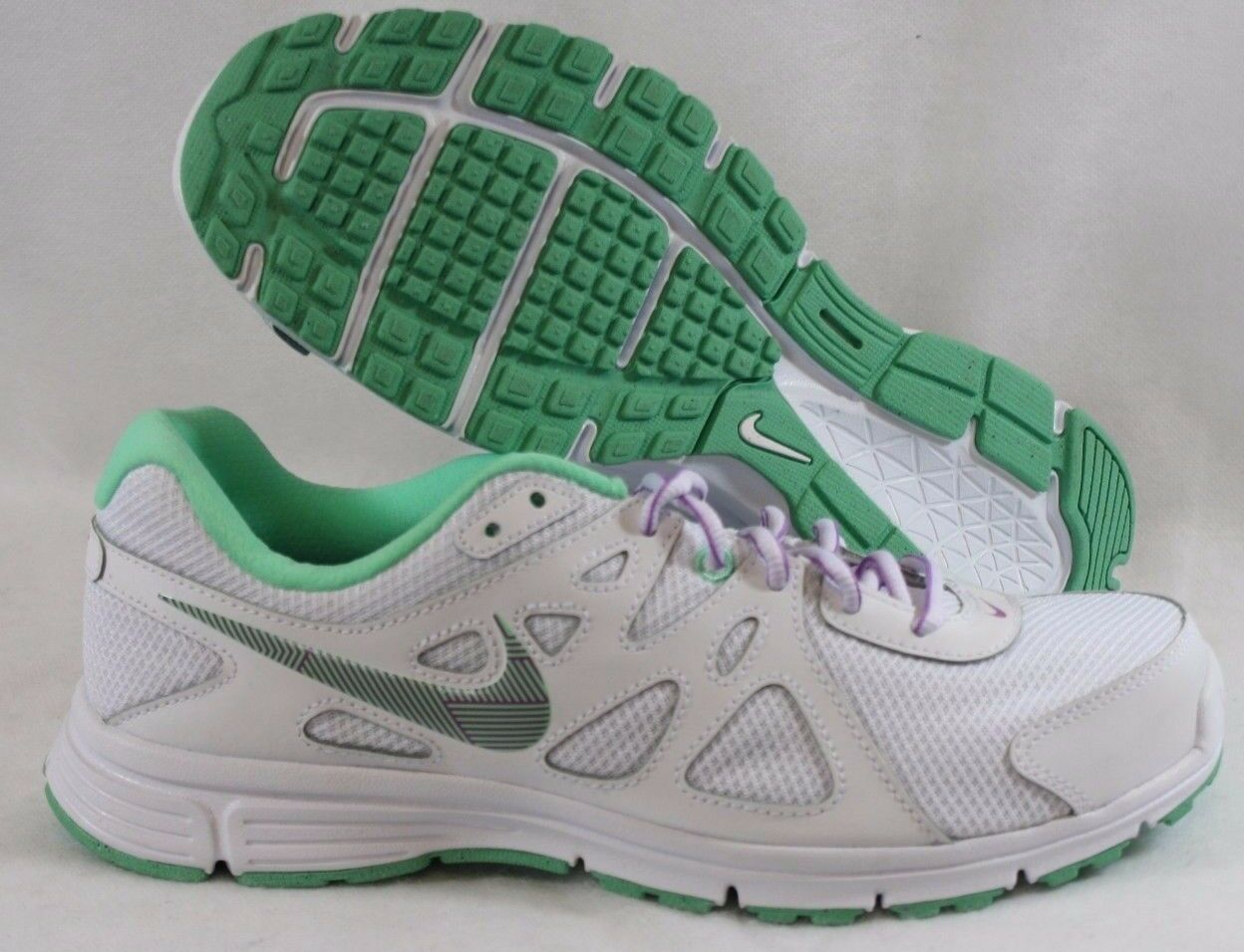 NEW Womens NIKE Revolution 2 554900 104 White Green Sneakers Shoes DISPLAY MODEL