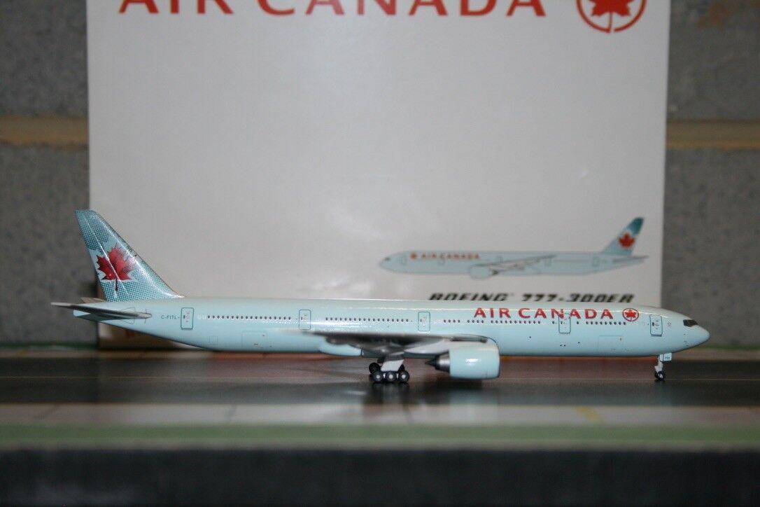 Gemini Jets 1:400 Air Canada Boeing 777-300ER C-FITL  GJACA786  Die-Cast Model
