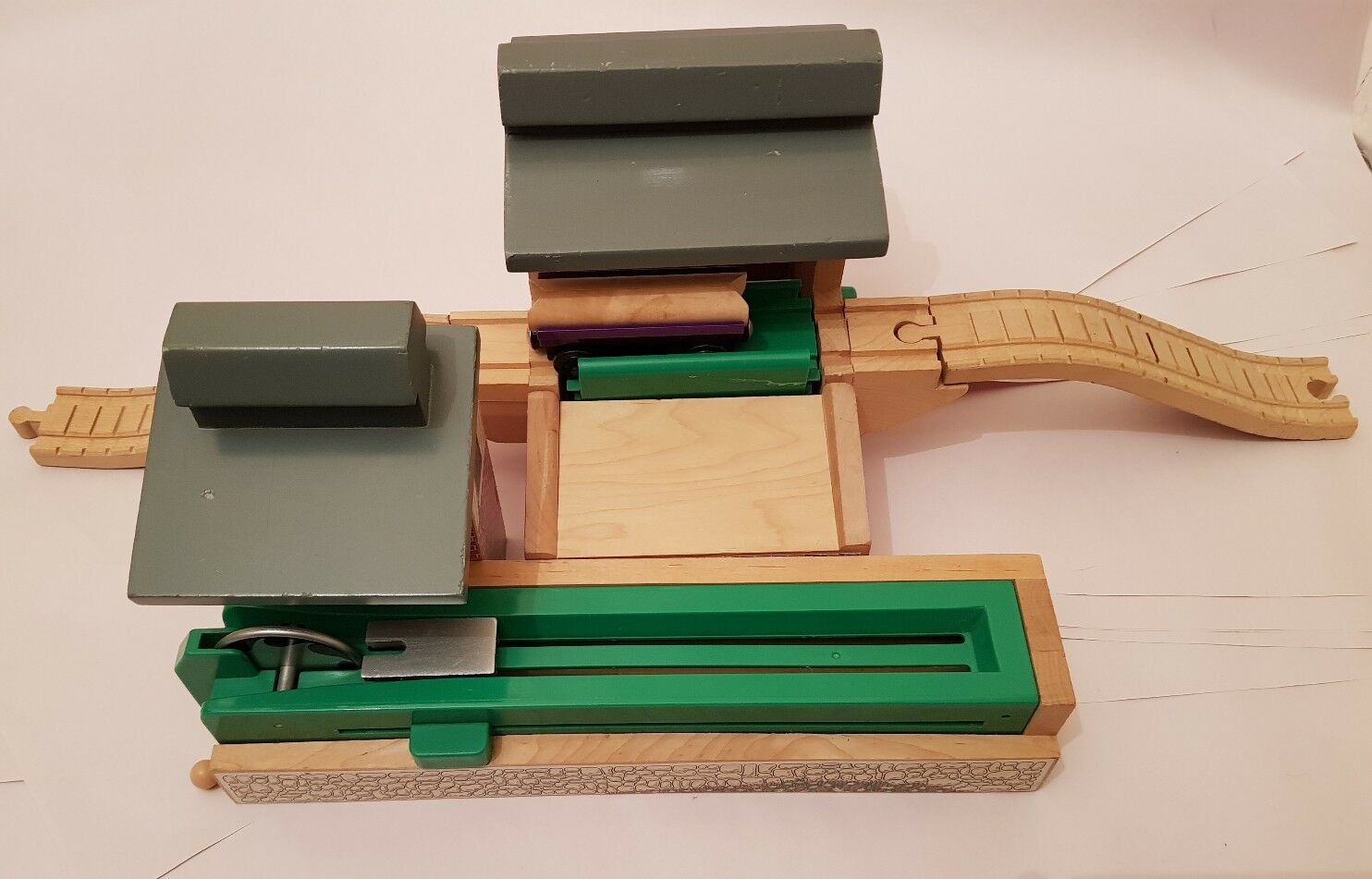 Thomas the tank engine & Friends WOODEN SAWMILL WITH DUMPING DEPOT