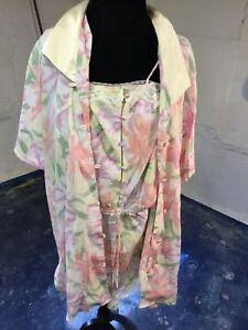 47e37f3017f3d Details about Vintage Victoria's Secret Romper and Short Robe Floral S Gold  Label