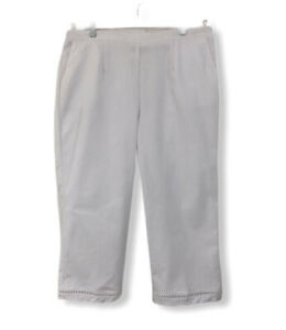 Alfred Dunner Womens Back Elastic Capri Pant with Cargo Pockets