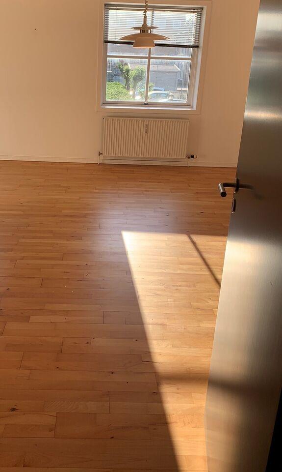 6000 3 vær. lejlighed, 110 m2, Clemensgade 8