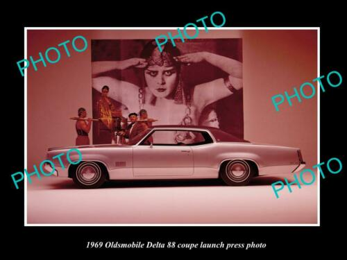 OLD 8x6 HISTORIC PHOTO 1969 OLDSMOBILE DELTA 88 COUPE LAUNCH PRESS PHOT0