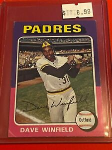 1975-Topps-MINI-Baseball-Card-Set-61-San-Diego-Padres-DAVE-WINFIELD