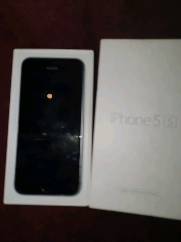BRAND NEW DEMO APPLE IPHONE 5S 16GB SILVER