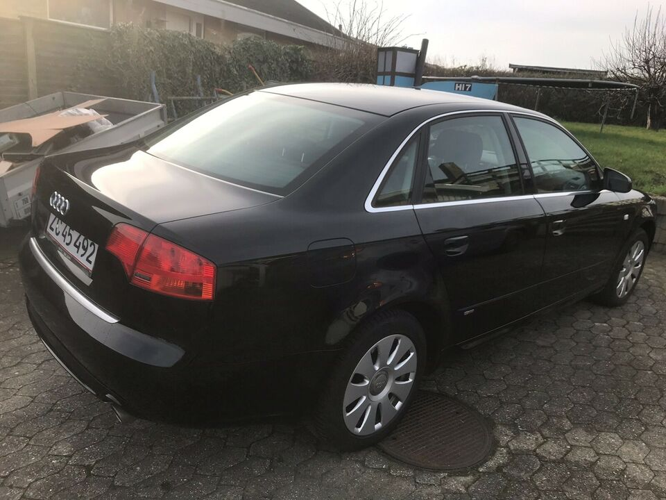 Audi A4, 1,8 T 163 S-line, Benzin