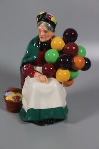 Vintage-Royal-Doulton-Figurine-HN-1315-The-Old-Balloon-Seller