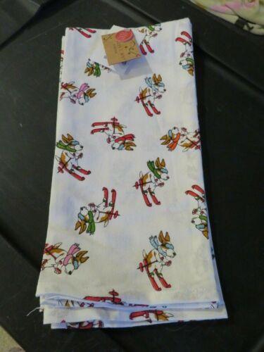 Basset Hound Skiing Ski/'s Kitchen Towels Set of 2 Jingles /& Joy NWT