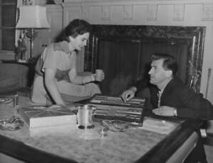 Married-Actors-Jean-Simmons-And-Stewart-Granger-Playing-Backgammon-At-OLD-PHOTO