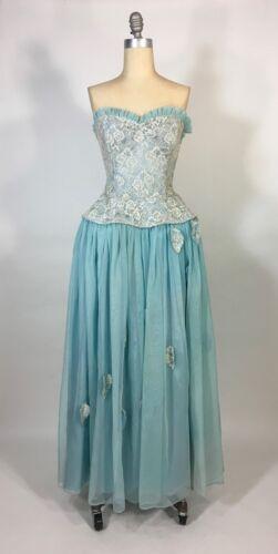 Vintage 1950's baby blue lace ROBE DE STYLE dress