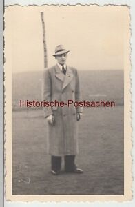 (f11128) Orig. Photo Jeune Homme Avec Manteau Et Chapeau En Plein Air 1938-afficher Le Titre D'origine Peut êTre à Plusieurs Reprises Replié.