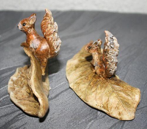 7,5 cm h Polyresin Dekorationsfiguren Eichhörnchen auf Blatt 2erSet  5,5 cm