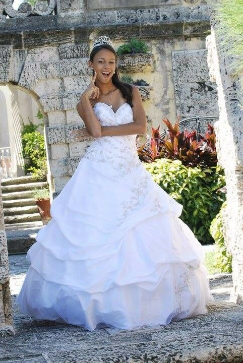 White dress for wedding or fifteens