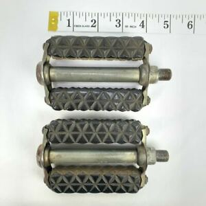 Schwinn-Waffle-Pedals-Stingray-Krate-1-2-034-Shaft-Made-In-Germany