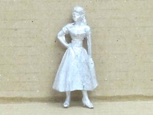 Fille-avec-un-long-robe-Zinnfigur-N-23-peints-augure-1-43