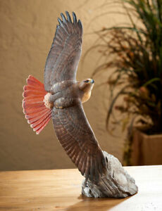 Soaring-Red-tailed-Hawk-Sculpture-by-Phil-Galatas