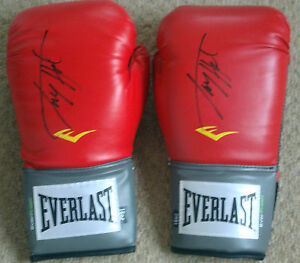 Larry Holmes Pair of Red Everlast Boxing Gloves 034Signature on each Glove034 - northampton, Northamptonshire, United Kingdom - Returns accepted Most purchases from business sellers are protected by the Consumer Contract Regulations 2013 which give you the right to cancel the purchase within 14 days after the day you receive the item - northampton, Northamptonshire, United Kingdom