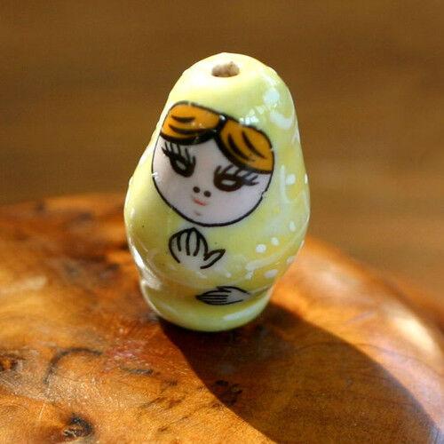 Jaune Pâle Fait main 16//27 mm 1 Perle Céramique MATRIOCHKA