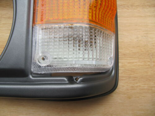 FIT FOR TOYOTA LAND CRUISER FJ60 LIGHT CASE ASSEMBLY W//CORNER LAMP 1981-87 PAIR