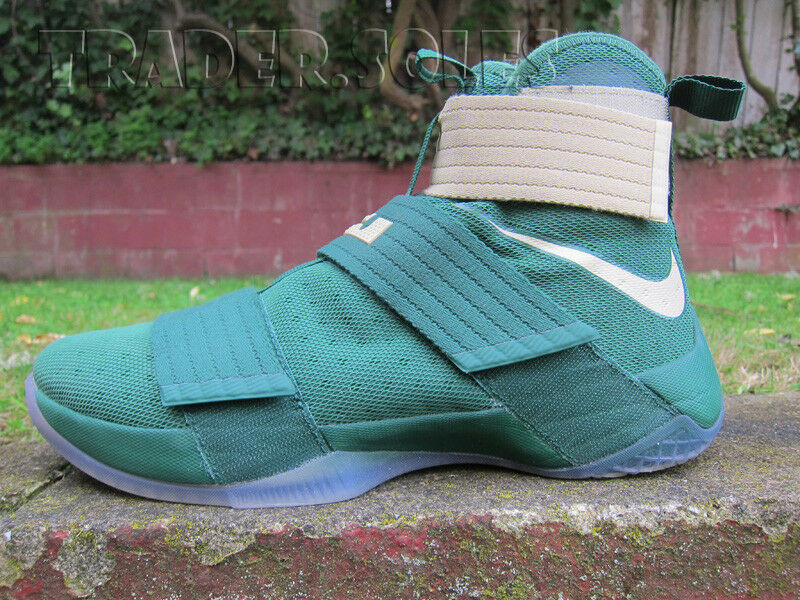 VNDS NIKE AIR LEBRON SOLDIER XI BAYLOR COLLEGE PE PROMO sz 9 GREEN gold xvi king
