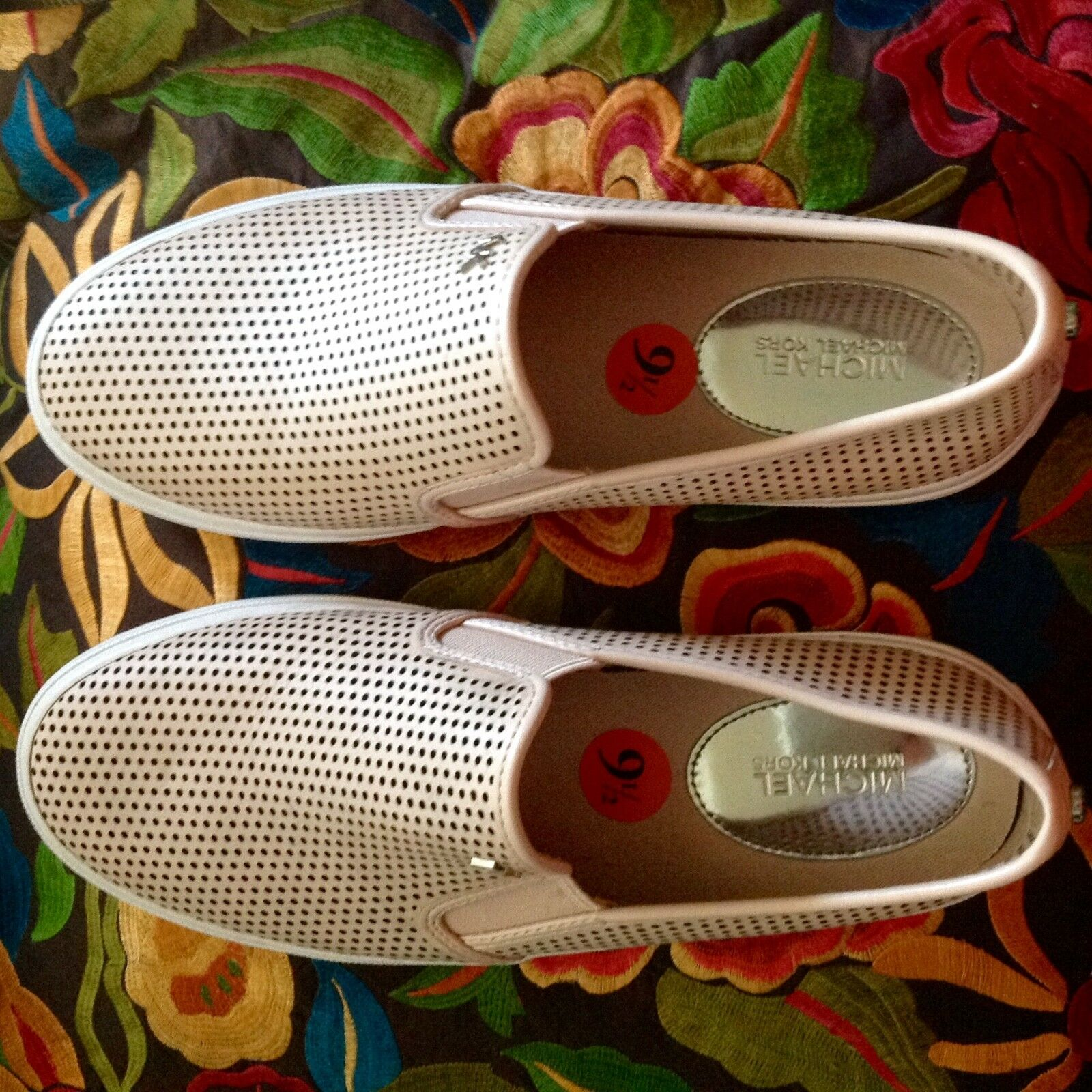 NEW MICHAEL MICHAEL KORS WOMEN'S BOERUM DOUBLE GORE SLIP ON SNEAKERS size 9.5NIB