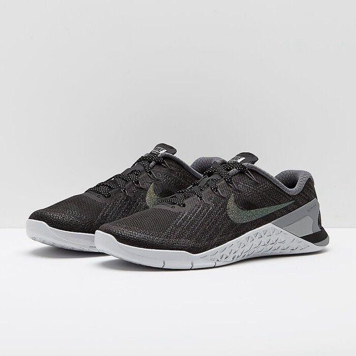 Nike Metcon 3 Metallic Training scarpe  UK 8  7.5 Euro42.5 nero  lo stile classico