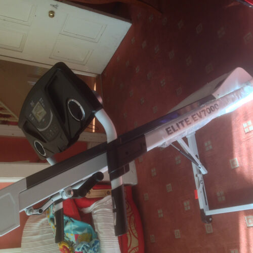 CONSOLE FOR SALE ONLY *CHES* OTHER PARTS ENQ EVERLAST ELITE EV7000 TREADMILL
