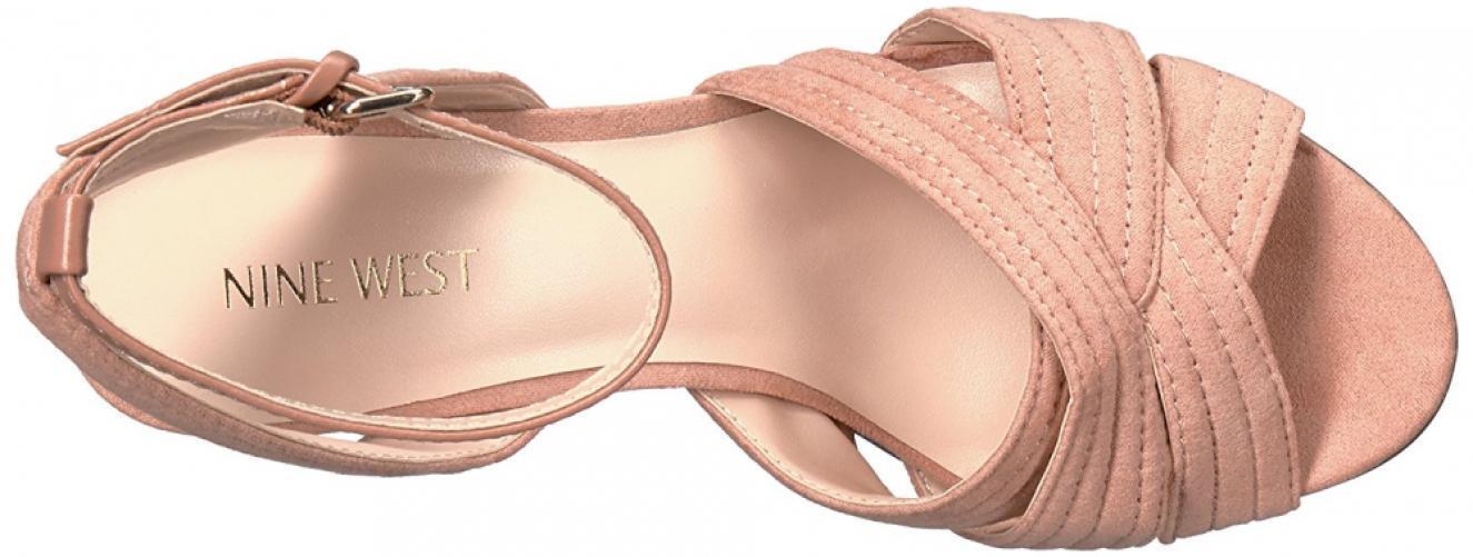 NINE WEST Niaria Niaria Niaria 10 Taupe Natural Nude Beige Cross Sandals Suede Block Heel New 6e8914