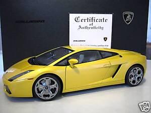 LAMBORGHINI-GALLARDO-jaune-metal-1-12-AUTOart-12091-voiture-miniature-collection